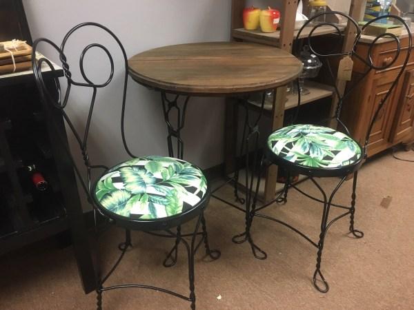 hvst table set