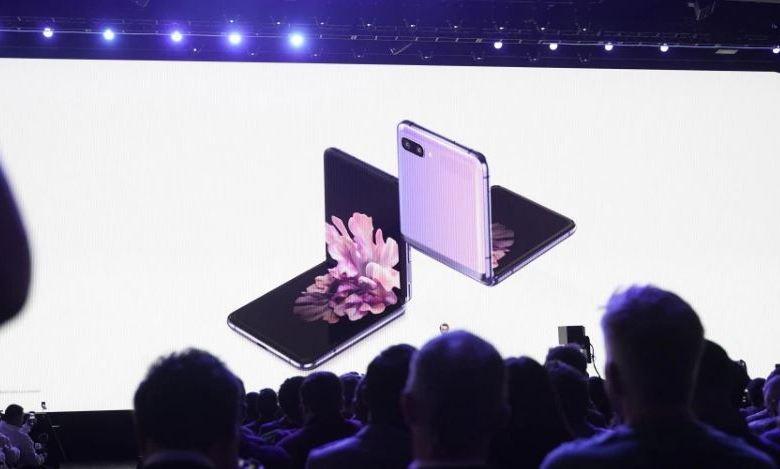 Samsung unveils galaxy z flip, a foldable 6.7-inch FHD+ AMOLEDdisplay phone 1