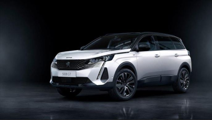 The new Peugeot SUV 5008 will be available in Europe at the end of 2020 1