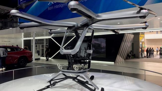 Chinese electric car start-up Xpeng shows off new flying vehicle 1