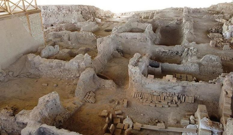 4,000-year-old textile mill unearthed in western Turkey 1
