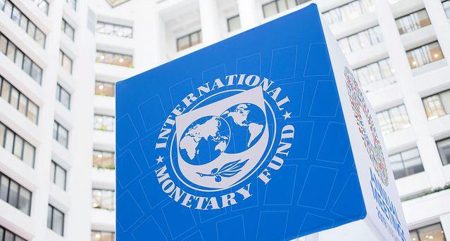 In new forecast, IMF sees world economy shrinking 4.4% 1