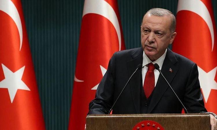 Turkey reintroduces restrictions to curb virus spread 1