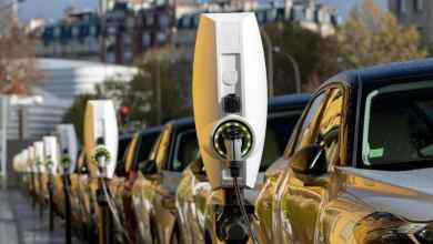 BloombergNef: Electric cars will be cheaper than fossil fuel-powered cars by 2027 24