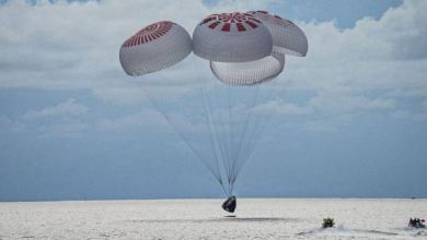 SpaceX capsule returns four civilians from orbit, capping off first tourism mission 1