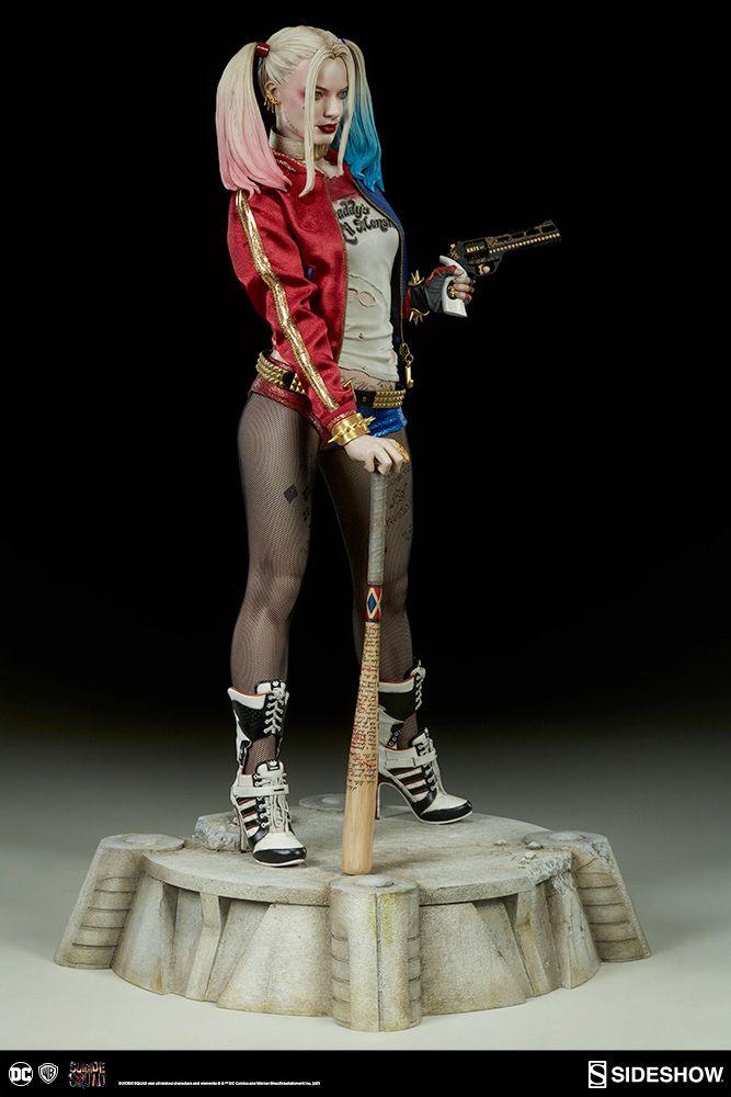 Harley-Quinn-Suicide-Squad-Premium-Format-Figure-05