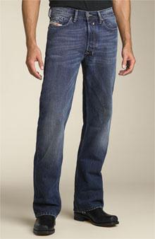 Dean Winchester usa jeans Diesel