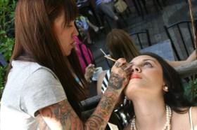 A maquiadora Naiana Prates