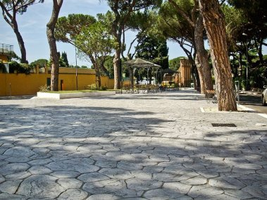 Piazza Mileto 04