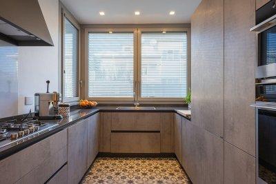 cucina con porta scorrevole 2