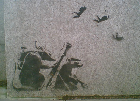 https://i0.wp.com/www.bbc.co.uk/london/content/images/2007/03/13/banksy_parliament_470x340.jpg