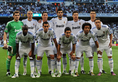 Real Madrid team before playng Barcelona in UEFA Champions League Semi Final