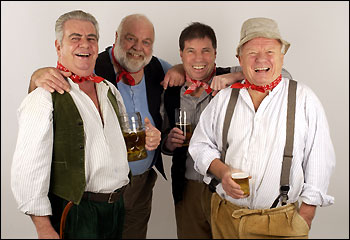 https://i0.wp.com/www.bbc.co.uk/somerset/content/images/2006/07/05/the_wurzels_350x240.jpg