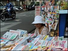 Sạp bán báo