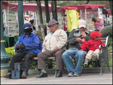 Personas usando sombrero en Bolivia.