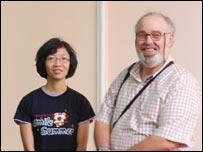 NCS Khánh Linh và GS Harris
