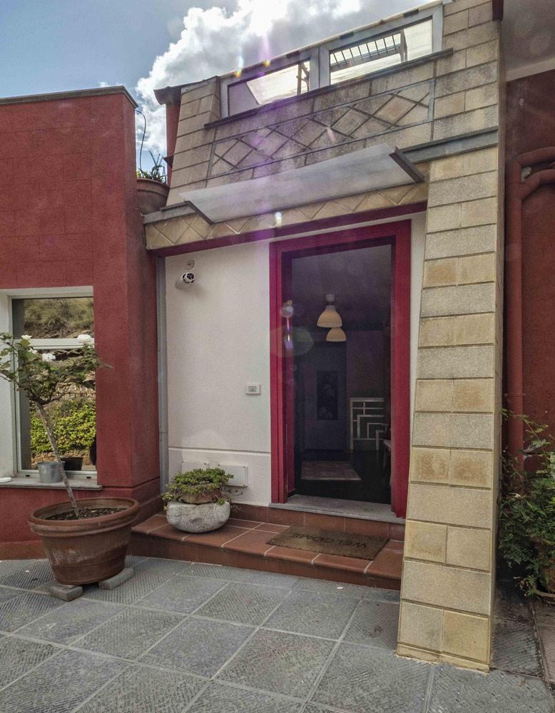 Home  Casa Rossa  BB e Casa Vacanze a Monreale PALERMO  Bed and Breafast  Appartamenti