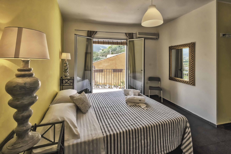 BB  Casa Rossa  BB e Casa Vacanze a Monreale PALERMO  Bed and Breafast  Appartamenti