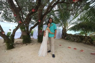 Small Hope Bay Lodge - Bride & Groom