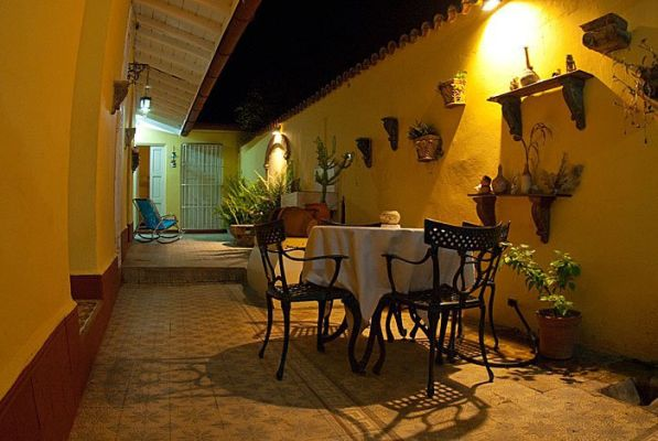 Casa Colonial Torrado 1830 YirinaSuarez  Chichi BBINN
