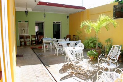 places to rent tables and chairs vinyl dining casa hostal teresa ponce - bbinn casas particulares in cuba + hotels services