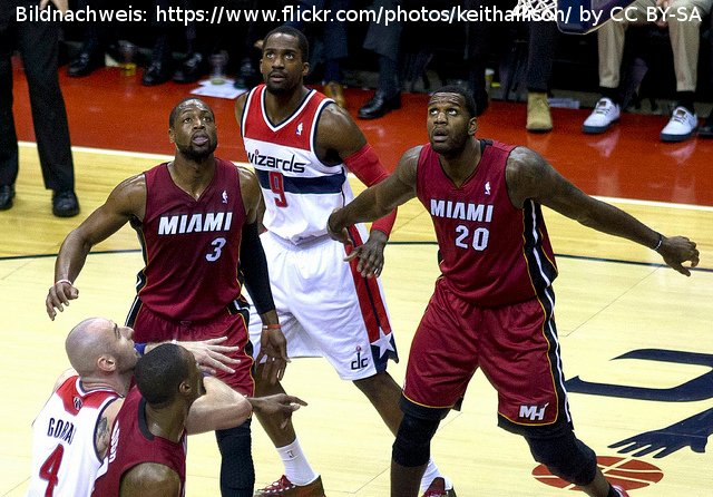 Miami Heat - Washington Wizards - Dwayne Wade Greg Oden Marcin Gortat