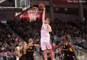 DE - Action - Telekom Baskets Bonn - Johannes Richter