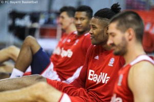 DE - Action - FC Bayern Basketball - Devin Booker - 2