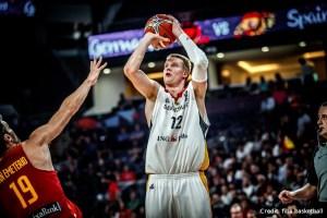 EuroBasket 2017 - Action - Deutschland - Wurf Robin Benzing