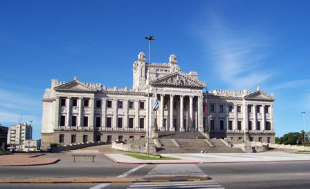 This is Uruguay's Presidential Palace. He doesn't live here.
