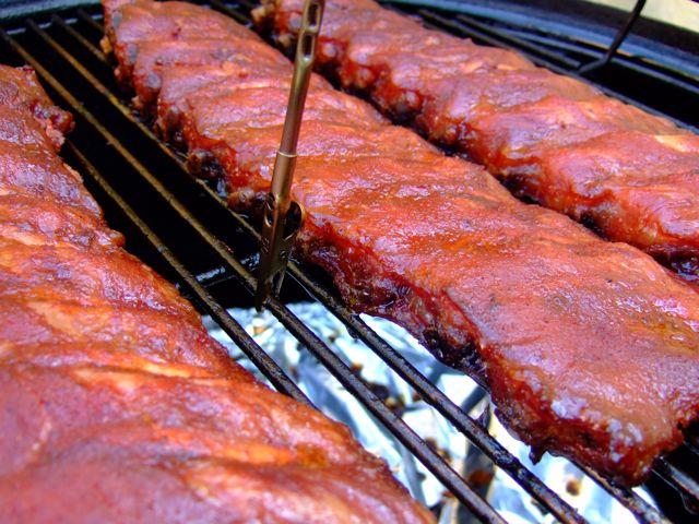 Niek's Cherry Ribs - in de BBQ