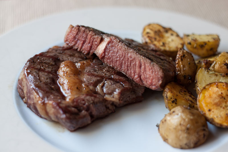 Sous-vide steak