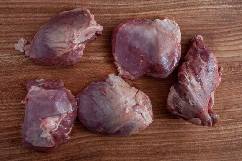Stoofpotje met varkenswangen en perzik - de wange