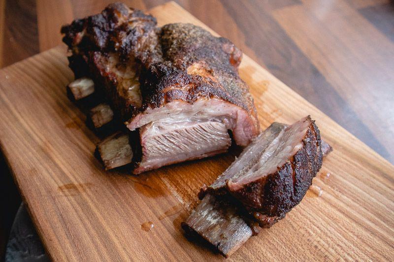 Kalfsshort ribs van de BBQ