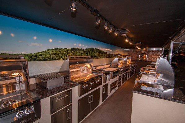 Almo Corporation Alfresco Open Air Culinary System Trailer