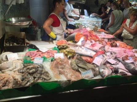 la-boqueria-versmarkt-in-barcelona-de-grootste-foodmarkt-van-spanje-www-bbqfriends-10