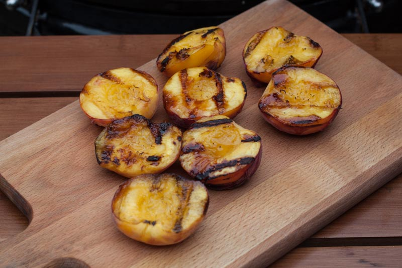 Grilled Peaches and Cream Popsicles - the peaches