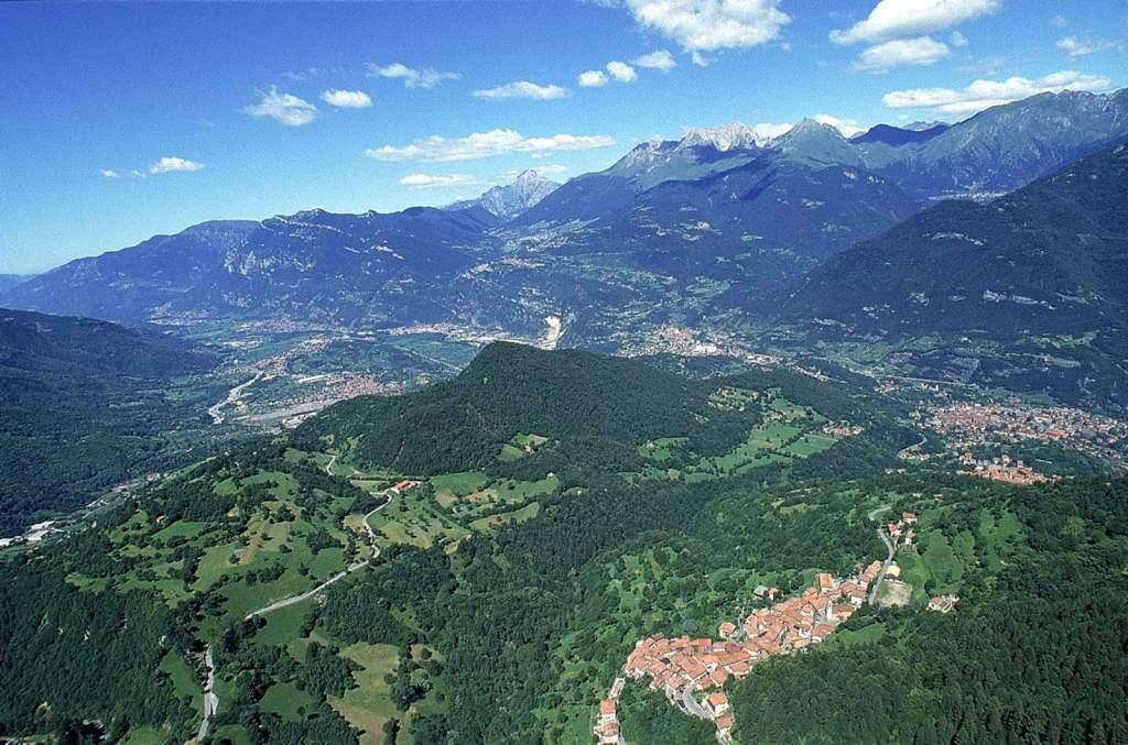 Foto con il drone della Valle Camonica