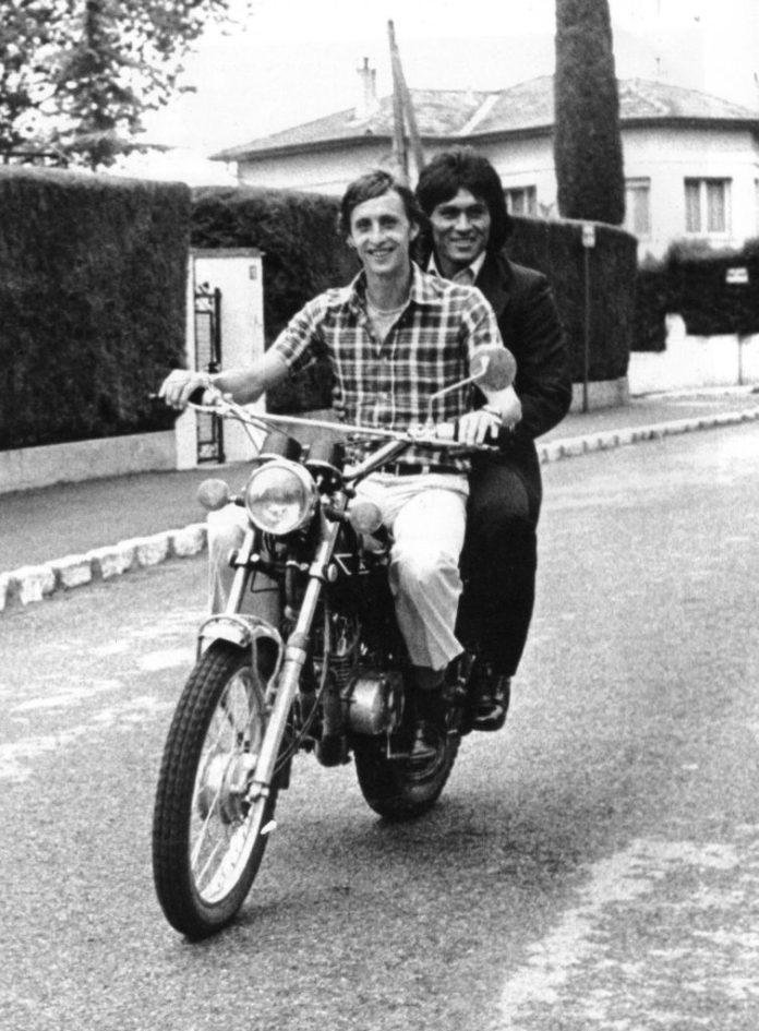 Photo de Motocycle Johan Cruyff Hugo Sotil Barcelona bbva