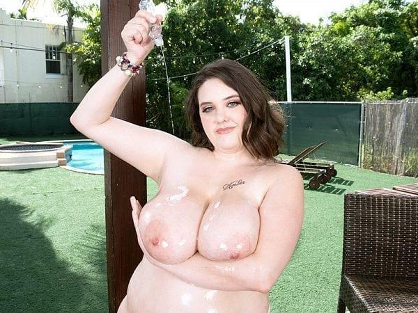bbw nagini bikini time