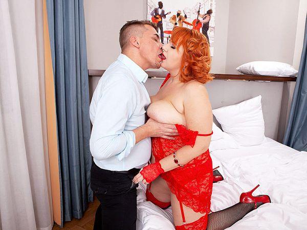 bbw katrin porto lingerie red model