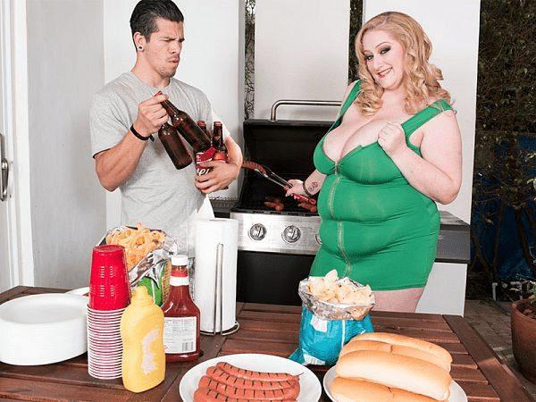 BBW Reyna Mae food fetish sex scene