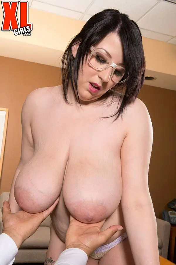 Kamille Amora BBW giant tits pics