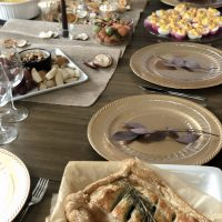 How to do Thanksgiving table decor on a budget & my favorite red and white wines to add to any holiday feast <3