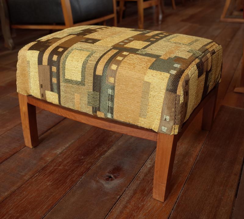 足のせのしてもサブの椅子としても使える。