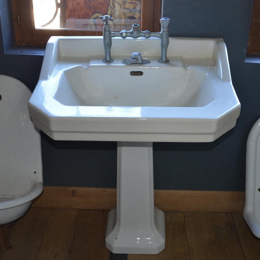 Lavabo ancien de salle de bain  Sur pied  BCA Matriaux Anciens