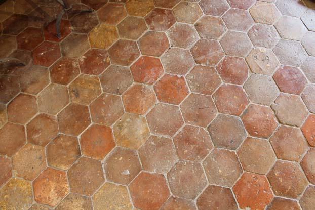 Tomette ancienne hexagonale en terre cuite  BCA Matriaux Anciens