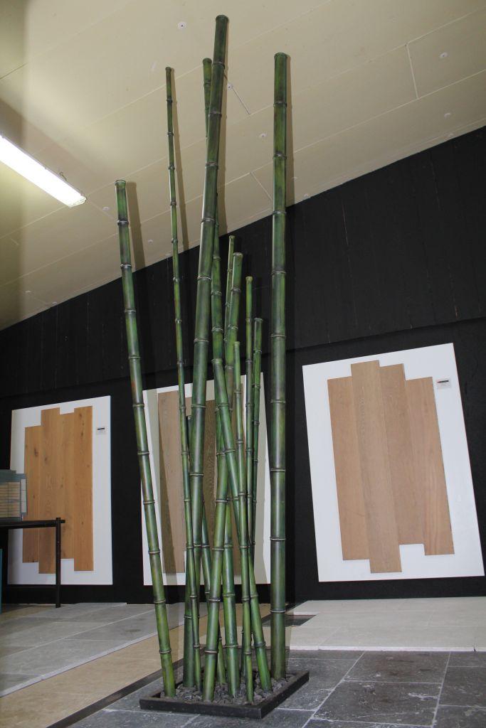 Fort de Bambou en mtal compos de 12 Bambous