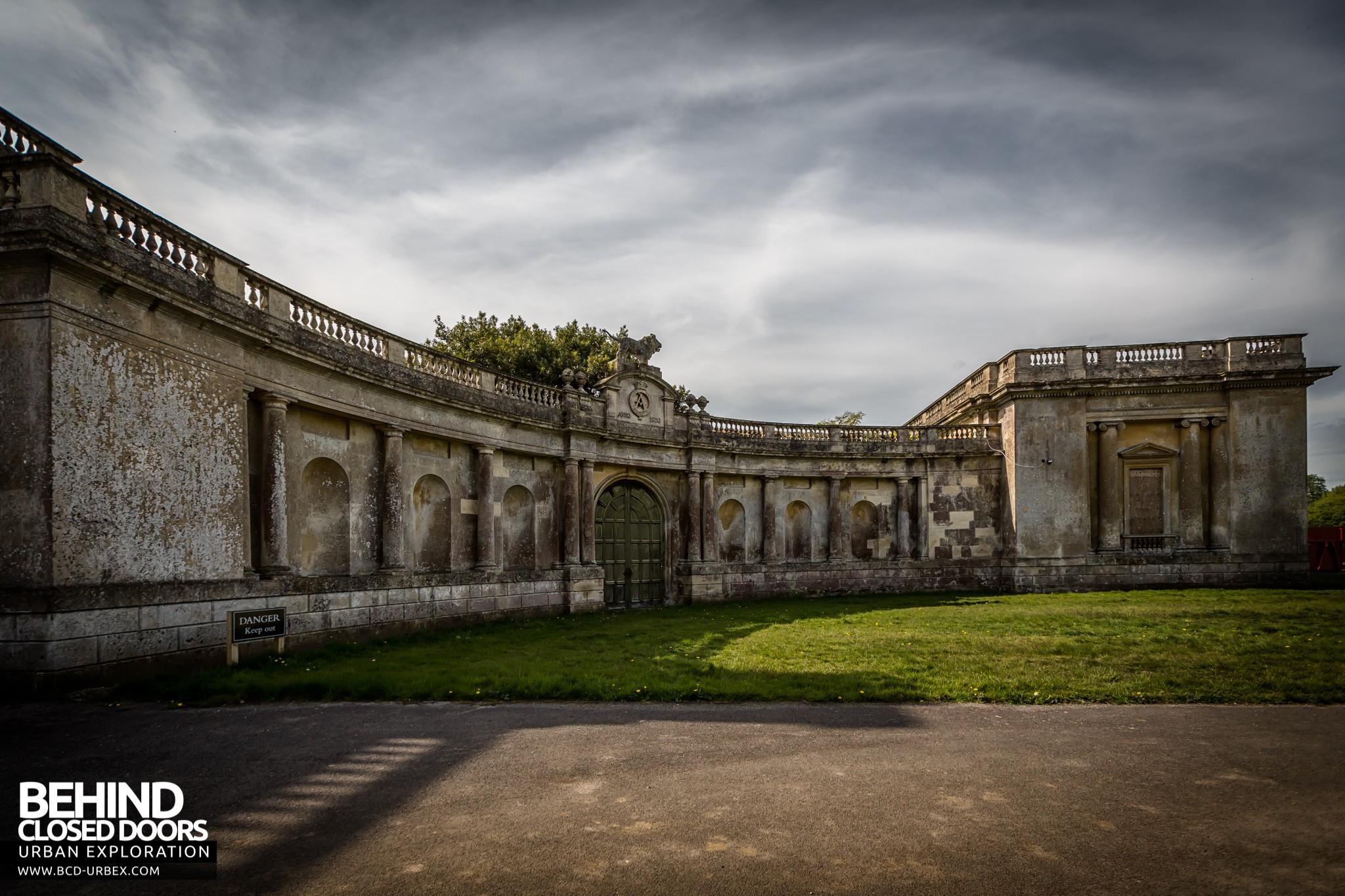 Tottenham House Wiltshire UK  Urbex  Behind Closed Doors Urban Exploring Abandoned Locations
