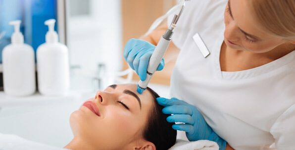 HydraFacial treatment with blue tip - featured image for Surrey HydraFacial provider
